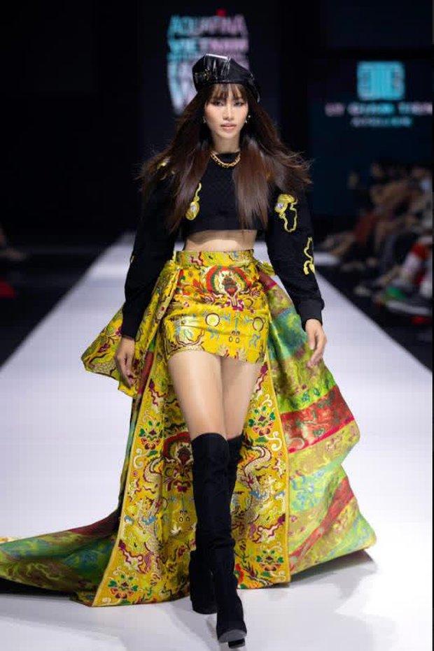 Xem Aquafina Tuần lễ Thời trang Quốc tế Việt Nam 2020 mới thấy: Nước mình còn vô vàn cảm hứng sáng tạo, cần chi đâu nước ngoài? - Ảnh 9.