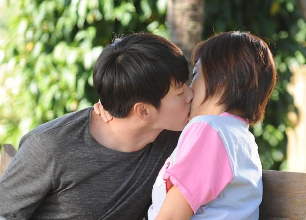 12 phim thắng Baeksang và thập kỷ vàng son của truyền hình Hàn: Mở màn oanh liệt với Hyun Bin nhưng kết thúc đầy tranh cãi - Ảnh 1.