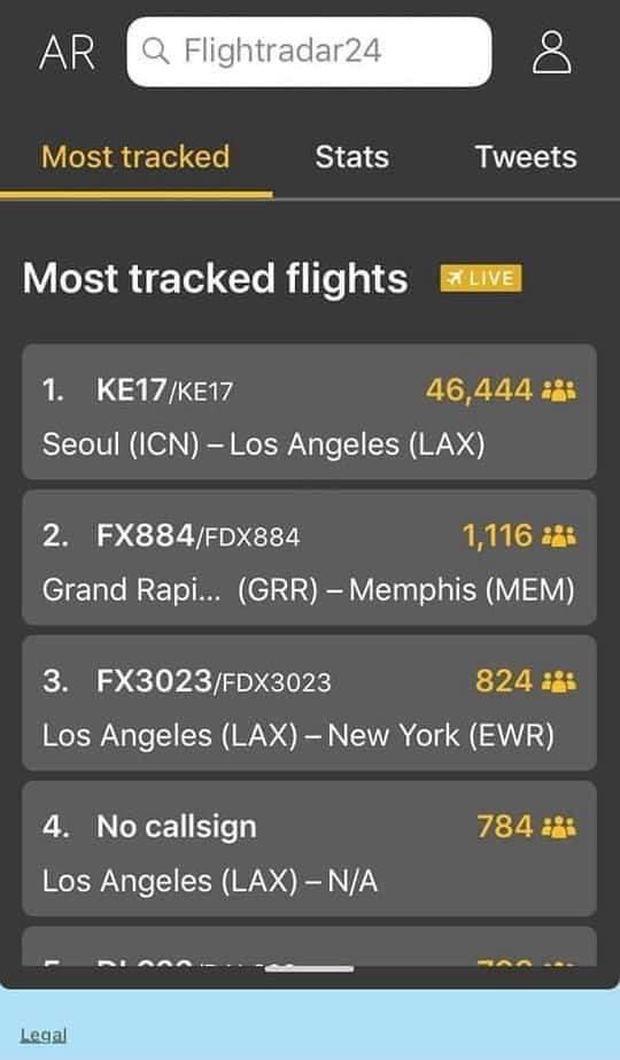 Chuyến bay đưa cố nghệ sĩ Chí Tài về Mỹ đạt hơn 46.000 người theo dõi trực tuyến trên Flightradar24 - Ảnh 1.