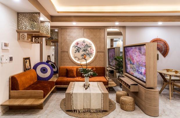 Căn hộ 75m2 đẹp không góc chết với phong cách Nhật Bản, ngắm chiếc TV có thể xoay 180 độ lại càng u mê hơn nữa - Ảnh 1.
