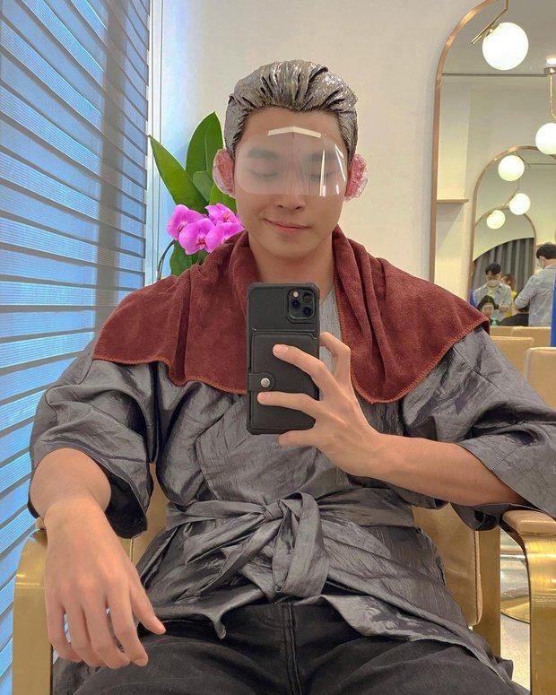 6 salon tóc sao Việt vừa check-in: Xem để biết Hari Won uốn phồng ở đâu, Hòa Minzy nhuộm xanh ở tiệm nào - Ảnh 12.