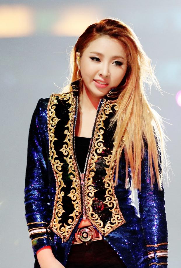 Dàn main dancer đỉnh cao của YG: Lisa làm lão sư, đàn chị nổi tiếng từ năm 15 tuổi, riêng Taeyang và thành viên WINNER giấu nghề - Ảnh 4.