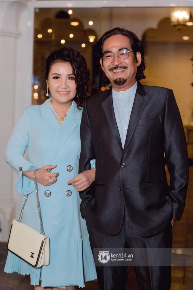 Đám cưới Quý Bình và nữ doanh nhân: Cô dâu - chú rể và dàn nghệ sĩ quẩy tưng bừng, lời hẹn ước của cặp đôi gây xúc động - Ảnh 21.