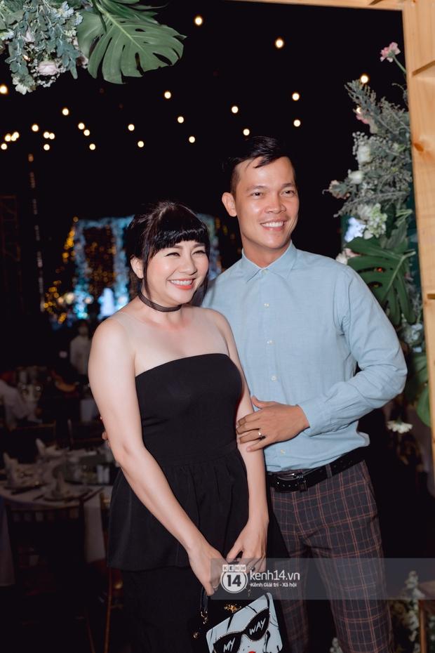 Đám cưới Quý Bình và nữ doanh nhân: Cô dâu - chú rể và dàn nghệ sĩ quẩy tưng bừng, lời hẹn ước của cặp đôi gây xúc động - Ảnh 17.