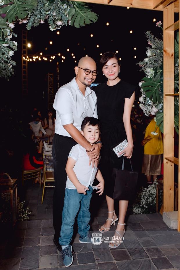 Đám cưới Quý Bình và nữ doanh nhân: Cô dâu - chú rể và dàn nghệ sĩ quẩy tưng bừng, lời hẹn ước của cặp đôi gây xúc động - Ảnh 19.