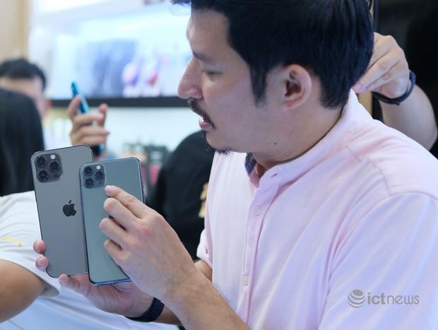 Dòng iPhone 12 được mua nhiều nhất dịp giảm giá 12/12 tại Việt Nam - Ảnh 1.