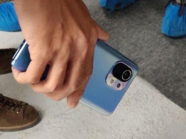 Xiaomi Mi 11 lộ diện thiết kế mới - Ảnh 3.