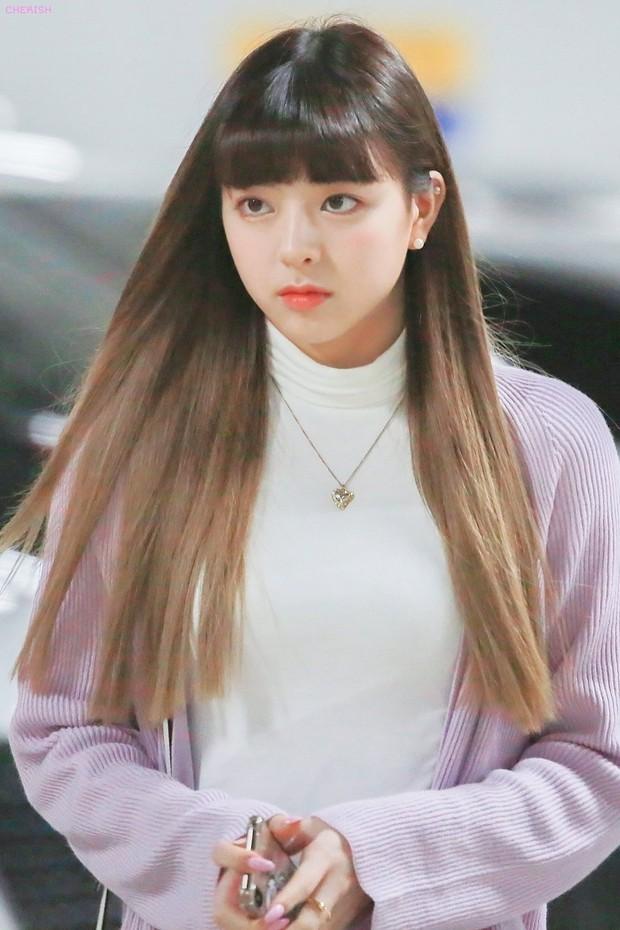 Nữ thần thế hệ mới Yuna (ITZY) gây sốc với vòng eo nhỏ nhất lịch sử Kpop, nhưng hóa ra tất cả chỉ là... một cú lừa! - Ảnh 8.