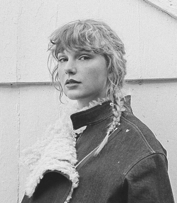 Loạt ca khúc mang yếu tố kinh dị nổi tiếng: Ca khúc của Taylor Swift, Eminem vẫn chưa rợn người lời trăn trối của thành viên ban nhạc nổi tiếng - Ảnh 9.