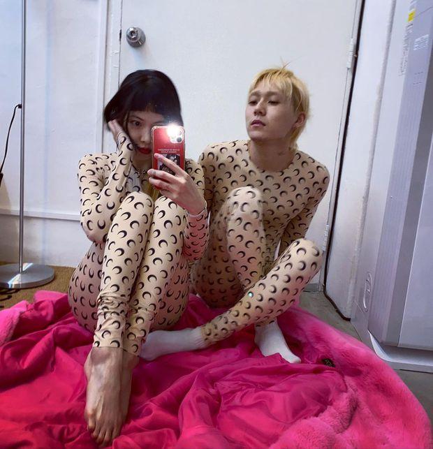 1 bộ đồ 2 số phận: Hyuna - EDawn khiến netizen ghê người nhưng quay sang Jennie thì nhìn lại khác ngay - Ảnh 3.