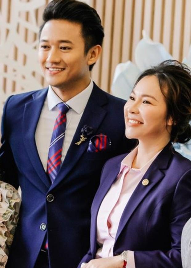 Chuyện tình hội phi công Vbiz: Phan Hiển, Quý Bình viên mãn đáng ghen tị, Hoàng Anh gặp sóng gió đến mức kiện cả vợ cũ - Ảnh 4.