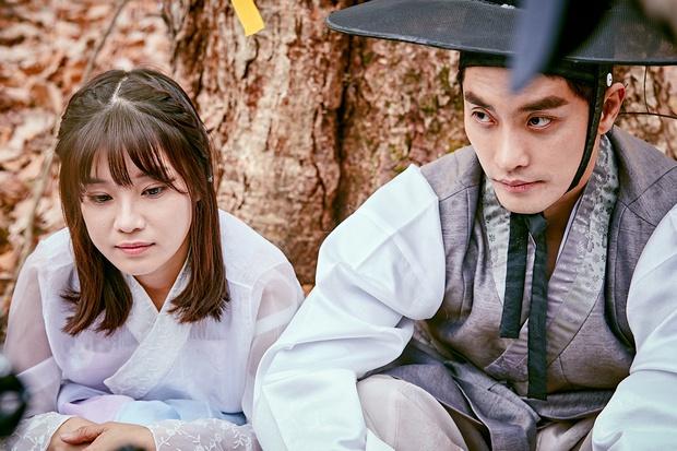 Chưa kịp làm người cần quên phải nhớ, Hoàng Yến Chibi đã vội nên đôi với nam tài tử cực phẩm xứ Hàn ở web drama mới - Ảnh 4.