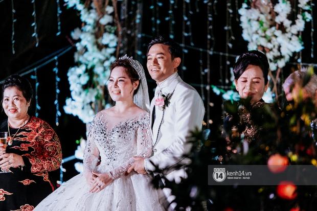 Chuyện tình hội phi công Vbiz: Phan Hiển, Quý Bình viên mãn đáng ghen tị, Hoàng Anh gặp sóng gió đến mức kiện cả vợ cũ - Ảnh 2.