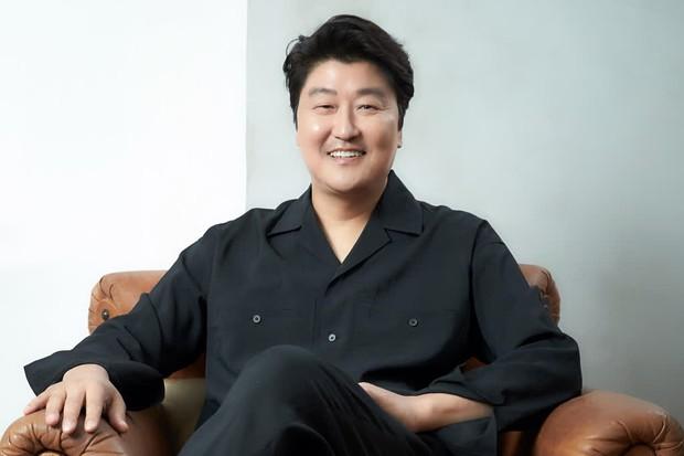 Báo Hàn công bố 30 diễn viên điện ảnh đình đám nhất 2020, nhìn qua toàn các ông chú cực phẩm! - Ảnh 1.