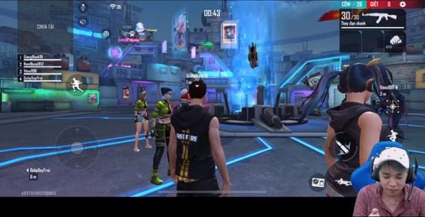 Dàn streamer Free Fire ngỡ ngàng trước bộ kỹ năng quá bá đạo của nhân vật mới - Chrono - Ảnh 8.