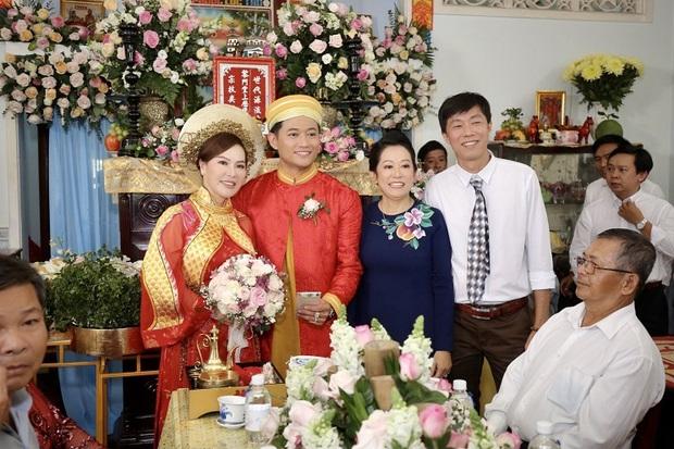 Chuyện tình hội phi công Vbiz: Phan Hiển, Quý Bình viên mãn đáng ghen tị, Hoàng Anh gặp sóng gió đến mức kiện cả vợ cũ - Ảnh 3.