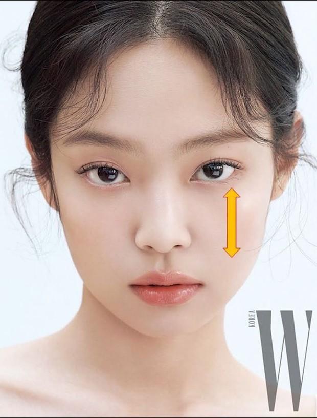 Sao Kbiz mặt bị lệch nhưng vẫn thành cực phẩm nhan sắc: Jennie, Irene, Tzuyu được tôn làm nữ thần, Kim Soo Hyun hot thấy lạ - Ảnh 2.