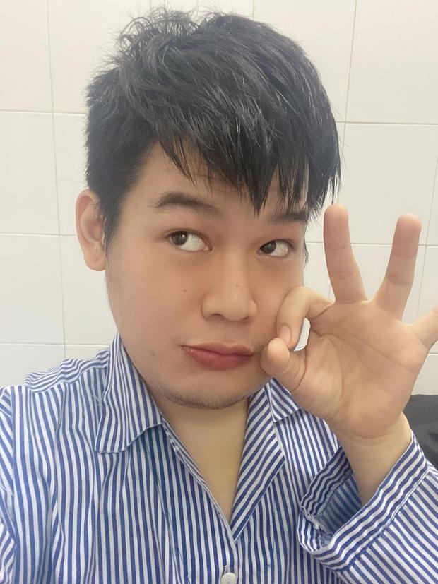 Long Chun cập nhật hình ảnh trong bệnh viện, thể hiện tinh thần lạc quan, còn định làm series Anh Bệnh Nhân Sưng Má - Ảnh 3.