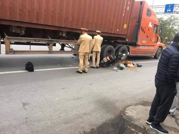 Thương tâm: Giúp người gặp nạn, cụ ông 70 tuổi bị xe container tông tử vong - Ảnh 1.