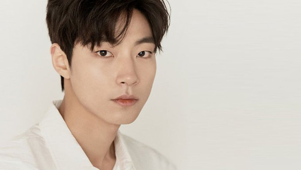 Hwang In Yeop: Chàng bad boy ngoài lạnh trong ấm của True Beauty khiến chị em mê đến mất liêm sỉ - Ảnh 4.