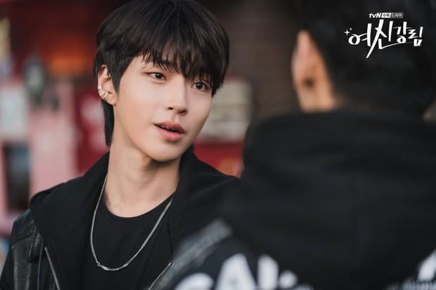 Hwang In Yeop: Chàng bad boy ngoài lạnh trong ấm của True Beauty khiến chị em mê đến mất liêm sỉ - Ảnh 6.
