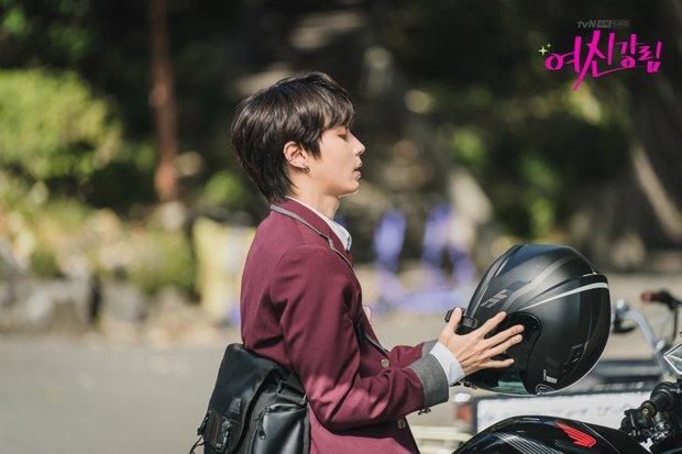 Hwang In Yeop: Chàng bad boy ngoài lạnh trong ấm của True Beauty khiến chị em mê đến mất liêm sỉ - Ảnh 7.