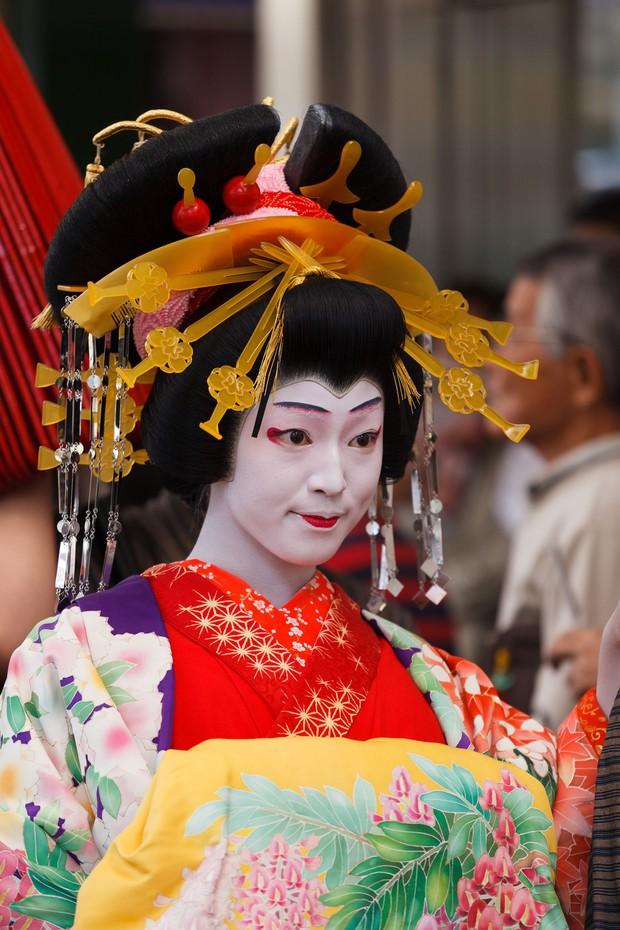 Oiran - kỹ nữ cao cấp thời Edo tại Nhật: Nhan sắc lộng lẫy, thu nhập tiền tỷ và những bí mật ít người biết - Ảnh 3.