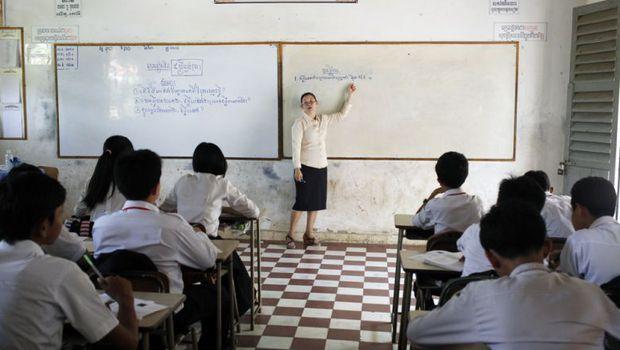 Thủ tướng Campuchia cho tất cả học sinh lớp 12 tốt nghiệp mà không cần thi để phòng ngừa COVID-19 - Ảnh 2.