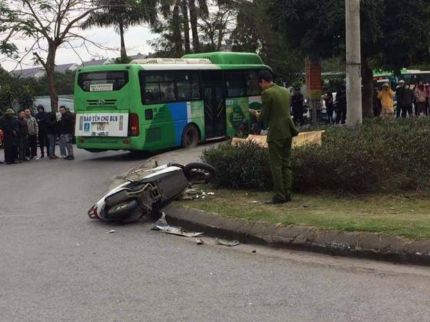 Hà Nội: Va chạm giao thông, thanh niên đang đi giao hàng tử vong tại chỗ - Ảnh 1.