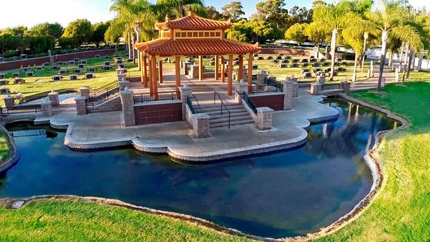 Các địa điểm diễn ra tang lễ và chôn cất cố nghệ sĩ Chí Tài tại Mỹ - Ảnh 5.