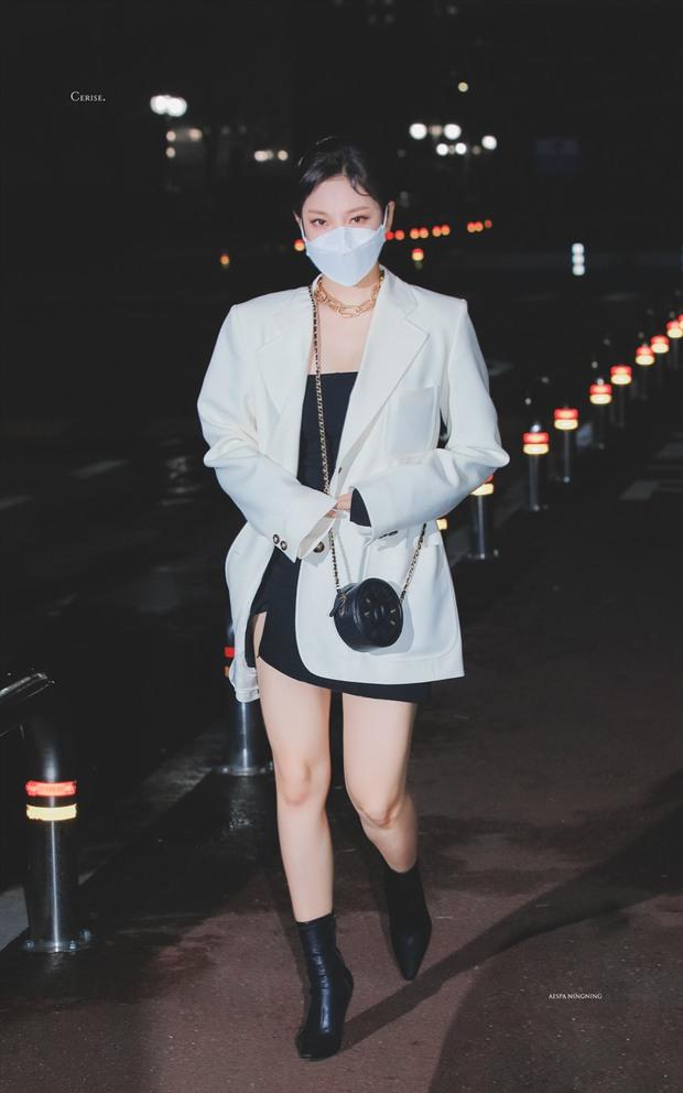 Bất ngờ lý do mỹ nhân mới nhà SM NingNing (aespa) mặc mát mẻ giữa trời đông âm độ: Tưởng tạo nét nhưng không phải vậy! - Ảnh 7.