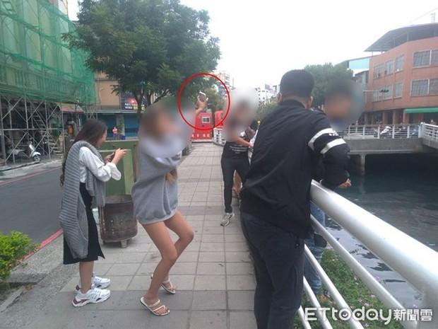Thiếu nữ định nhảy sông tự tử bỗng múa may điên cuồng, sau khi biết chuyện ai cũng nhìn cô với ánh mắt kỳ dị - Ảnh 2.