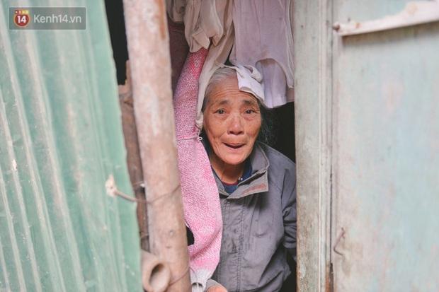 Khu ổ chuột giữa lòng Hà Nội những ngày lạnh nhất từ đầu mùa: Hàng ế nhờ cả xóm ăn hộ, đêm về bà cháu chỉ biết ôm nhau ngủ chống rét - Ảnh 10.