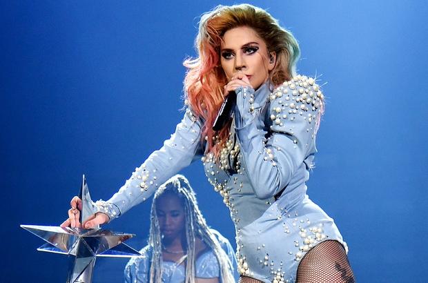 Top 20 tour diễn của nữ nghệ sĩ có doanh thu cao nhất lịch sử: Taylor Swift tuy xuất sắc nhưng không phải người được xướng tên nhiều nhất - Ảnh 6.