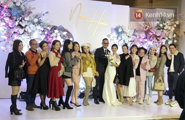 Bức ảnh quy tụ dàn cựu hot girl Hà thành trong đám cưới MC Thu Hoài, các cháu 2k khó đọ được bầu trời nhan sắc ấy - Ảnh 3.