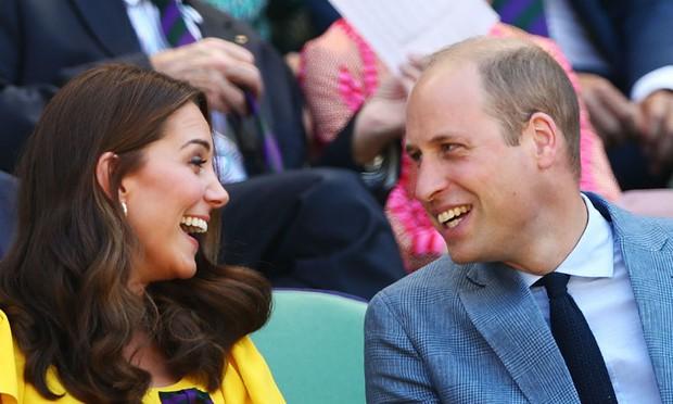 Góc cẩu lương: Mặc bao thị phi, vợ chồng Công nương Kate vẫn mặn nồng theo năm tháng, nhìn ánh mắt thôi đã thấy như ngôn tình - Ảnh 13.