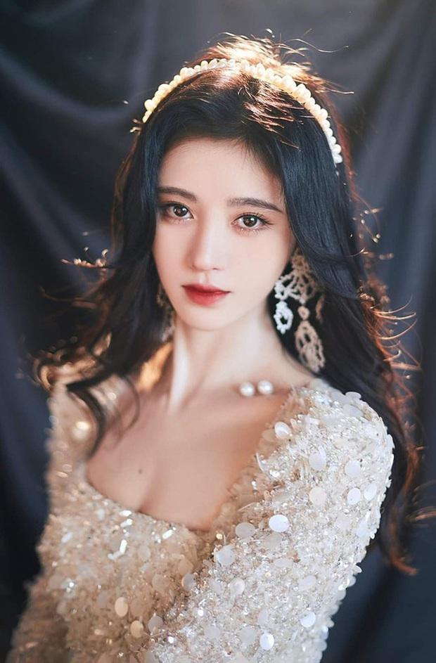 Những màn lột xác gây sốc nhất thập kỷ: Quá tiếc cho nhan sắc Việt Anh - Park Bom, Angela Baby - Hương Giang vụt sáng thành sao hạng A - Ảnh 27.