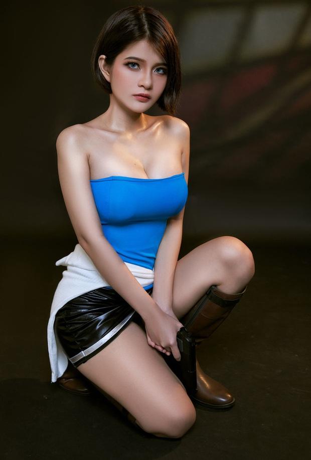 Nữ cosplayer Việt Nam được khen hết lời khi hóa thân thành cô nàng Jill Valentine siêu vòng 1 - Ảnh 1.