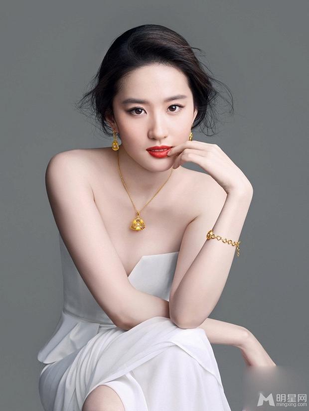Những màn lột xác gây sốc nhất thập kỷ: Quá tiếc cho nhan sắc Việt Anh - Park Bom, Angela Baby - Hương Giang vụt sáng thành sao hạng A - Ảnh 36.