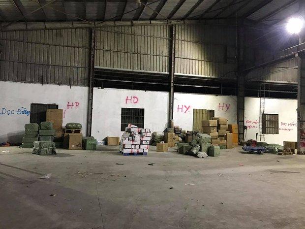 Triệt phá đường dây buôn lậu khủng xuyên quốc gia, thu giữ gần 500 tấn hàng hoá, mỹ phẩm - Ảnh 2.