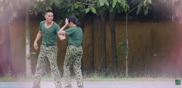 Hôn hụt chú Ngạn trong phim, Trà Long Khánh Vân quyết tâm tìm lại bình yên với anh lính trong Sao Nhập Ngũ? - Ảnh 8.