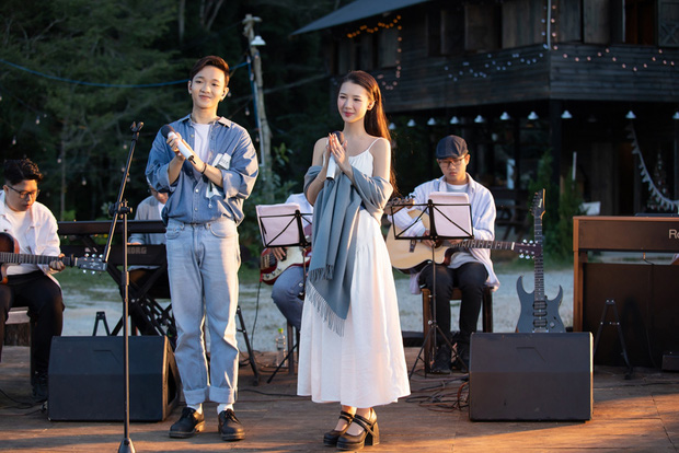dreamee the 1st live acoustic show - AMEE mạo hiểm trái sở trường để sang trang sự nghiệp? - Ảnh 8.