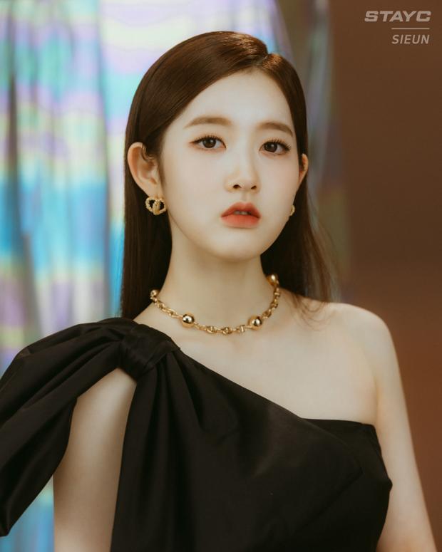 Nữ idol Kpop hiếm có: Từ diễn viên nhí thành idol, vừa debut đã gây sốt vì nhóm toàn mỹ nhân, thân thế gây bất ngờ lớn - Ảnh 6.