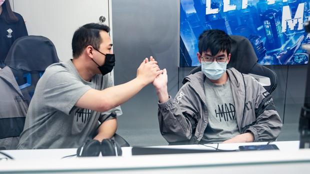 BronzeV: Hành trình AIC 2020 đã đến hồi kết và Saigon Phantom sẽ là đội tuyển nâng cao cúp vô địch! - Ảnh 4.