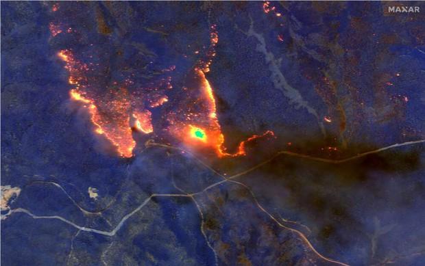 Chùm ảnh vệ tinh về những thứ đã định hình lại thế giới năm 2020: Nhìn từ trên cao mới thấy 1 năm vừa qua điên rồ đến mức nào - Ảnh 1.