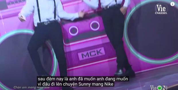 Rap Việt bật chế độ Vietsub tự động, màn trình diễn của MCK xuất hiện câu tục tĩu khiến Tlinh cũng khó hiểu - Ảnh 5.