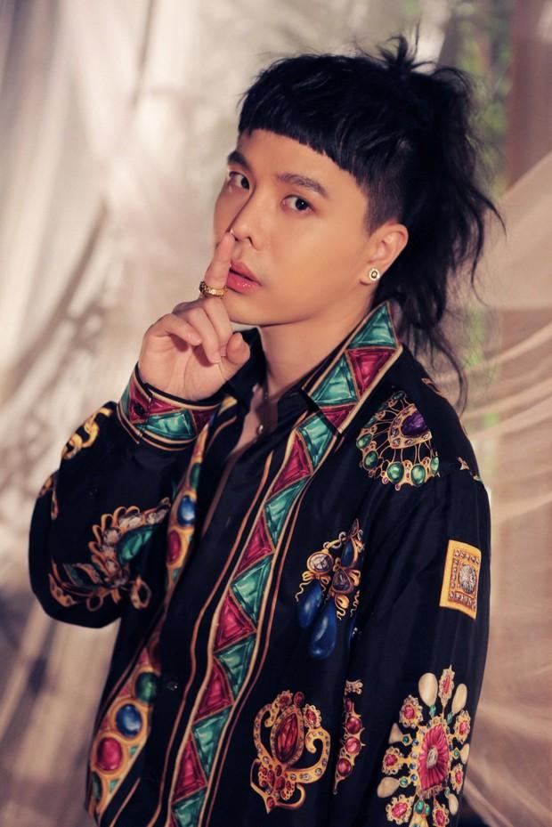 Trịnh Thăng Bình tung MV với visual mới lạ, nhưng dân tình chỉ chú ý vào kiểu tóc sai ơi là sai - Ảnh 2.