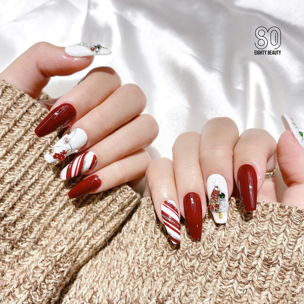 Đón Noel với 10 bộ nail xinh miễn bàn hot hit nhất các tiệm lúc này - Ảnh 2.
