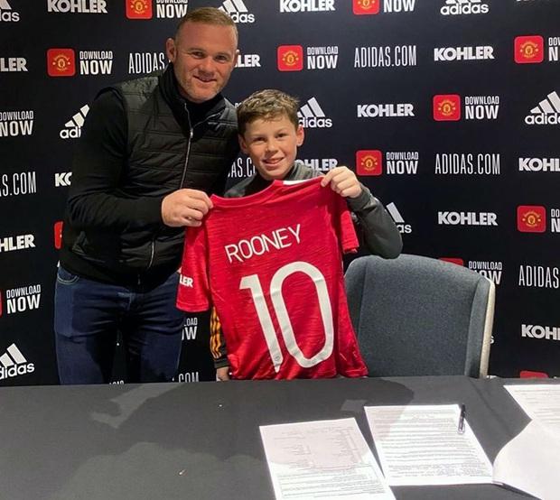 Kai Rooney gia nhập MU, nhưng cậu có xuất sắc như ông bố huyền thoại? - Ảnh 2.
