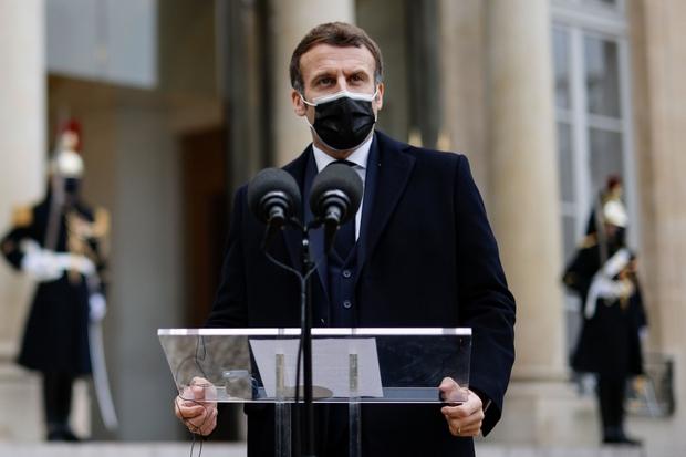 Tổng thống Pháp vẫn ổn sau một ngày xác nhận mắc COVID-19  - Ảnh 1.